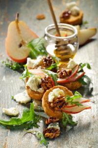 Päärynää, roquefort-juustoa ja endiiviä