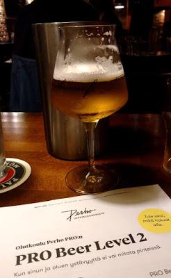 Olutlasi ja todistus kurssin suorittamisesta