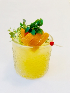 Keltainen drinkki